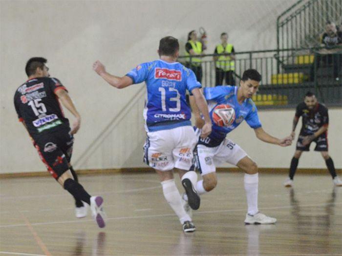 5f284561ff Lourencianos estão a um empate da final da Copa Santa Catarina